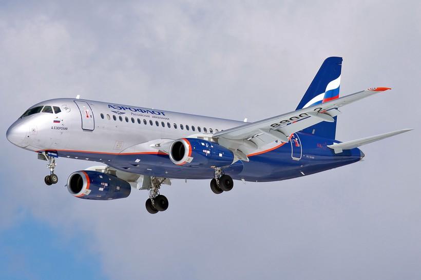 Aeroflot_Sukhoi_Superjet_100-95_RA-89002_SVO_2012-4-6.jpg?1486446406