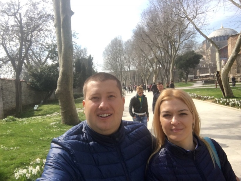 Я с мужем на территории дворца Топкапы