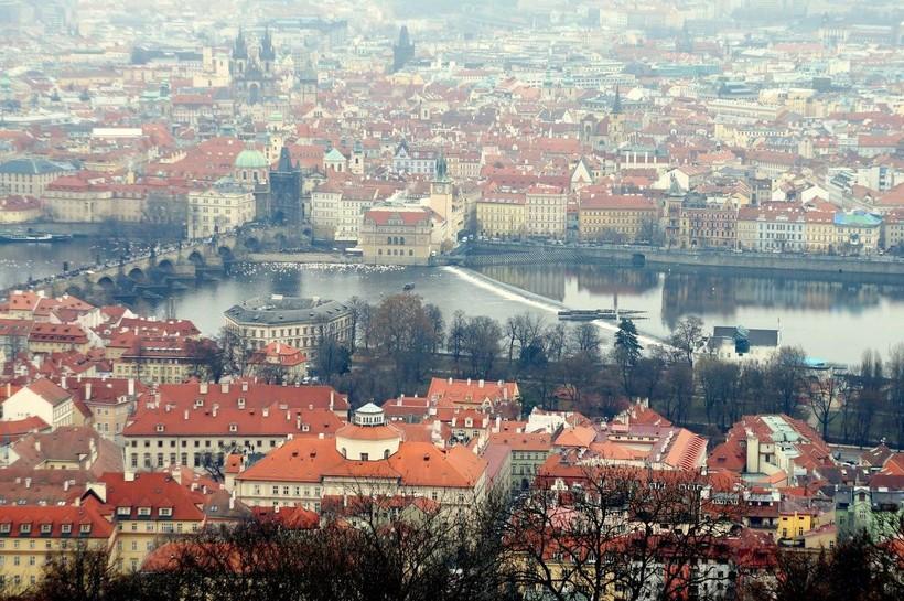 И даже зимой Прага яркая!