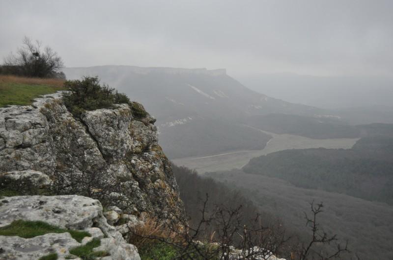 Вид с вершины Мангуп-Кале