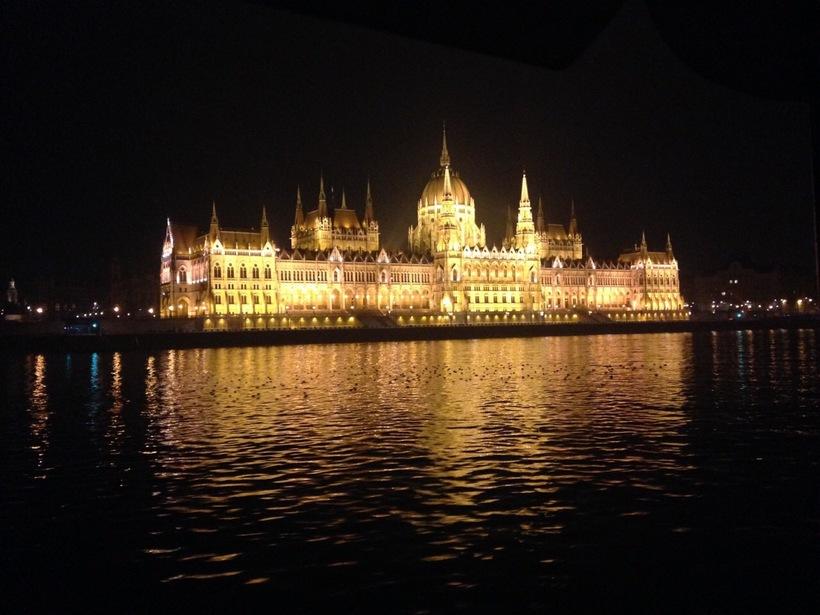 Прогулка на кораблике. Парламент.