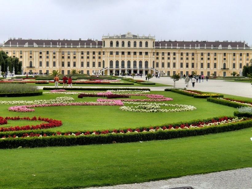Парк Шенбрунн в апреле, Вена