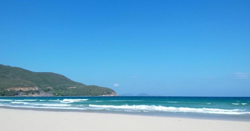 Пустынный пляж Bai Dai