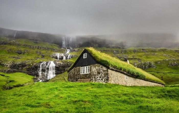 Сказочные скандинавские домики: почему на их крышах растет трава