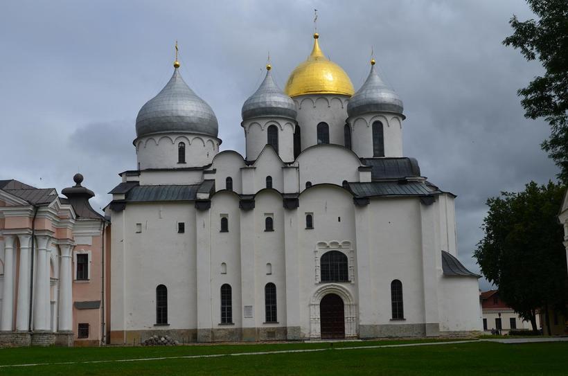 Собор был построен почти 1000 лет назад, но по нему этого не скажешь