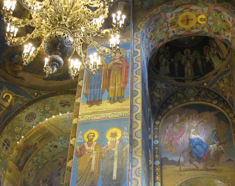 Маленький кусочек интерьеров собора