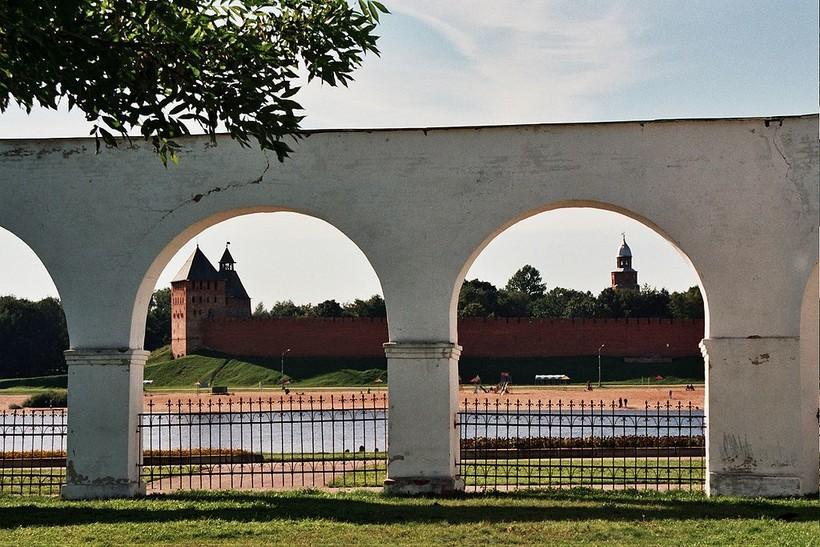 Ярославово дворище находится на берегу Волхова