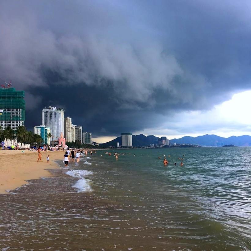 Сентябрь во Вьетнаме, Южно-Китайское море