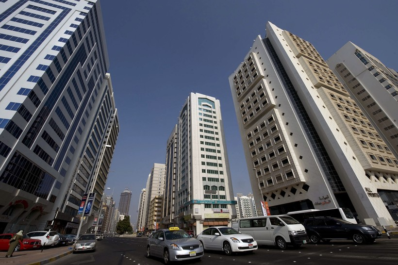 ОАЭ, Абу-Даби: на дорогах эмирата