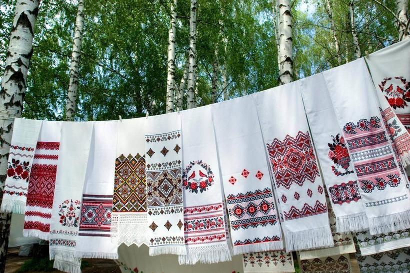 kakie-byvayut-primety-pro-svadebnyy-rushnik-2.jpg?1541003634