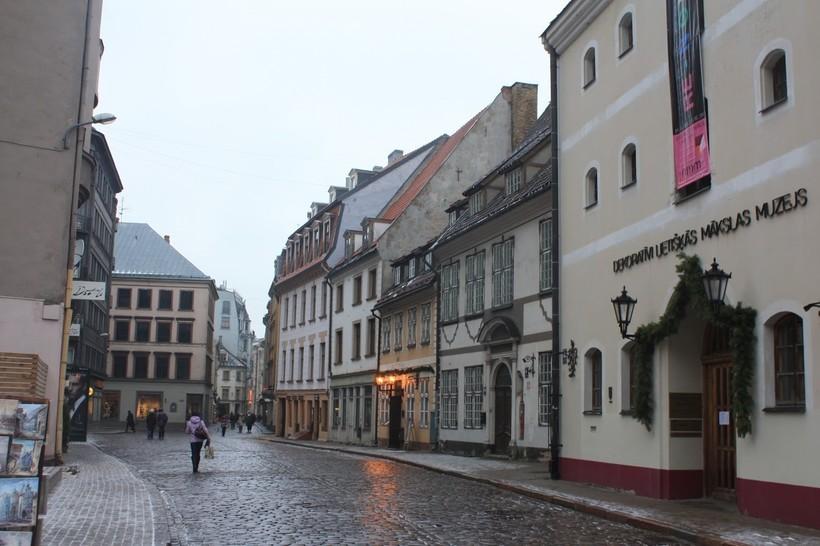 Рига: прогулка по цветочной улице