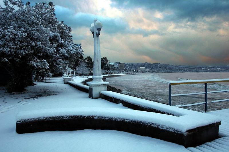 Сухум под снежным покровом