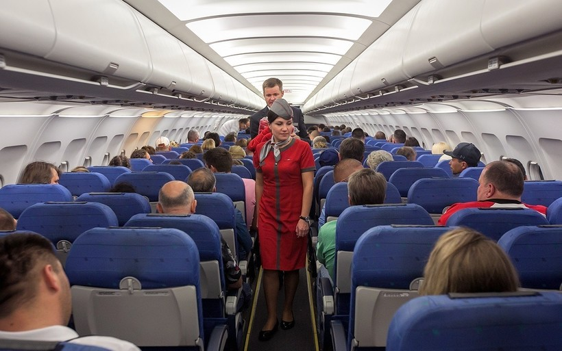 салон самолёта авиакомпании RedWings