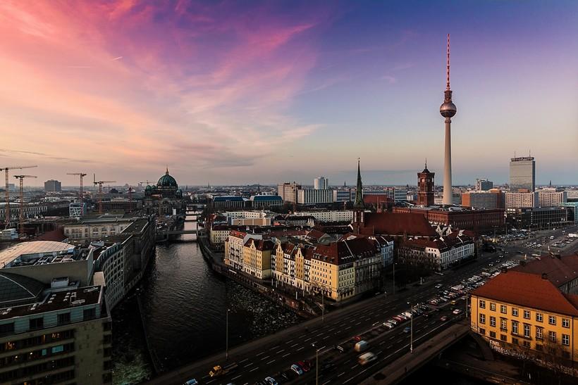 Берлинцы на референдуме высказались за экспроприацию объектов недвижимости у крупных компаний