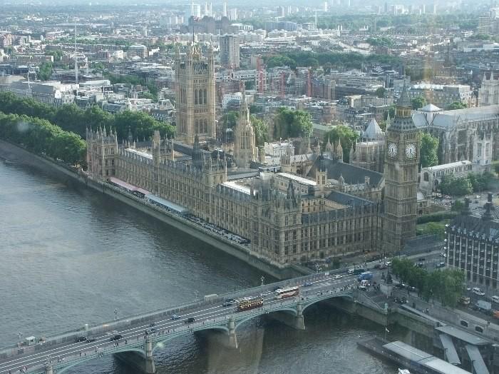 "Вид на Парламент с ""Лондонского глаза"""