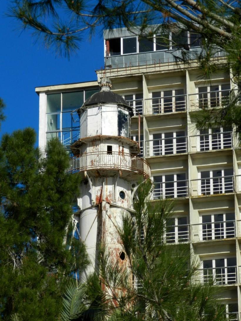 Старый пицундский маяк, апрель 2018