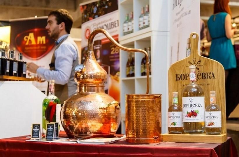 Раритетный экспонат на Брянском спиртзаводе.