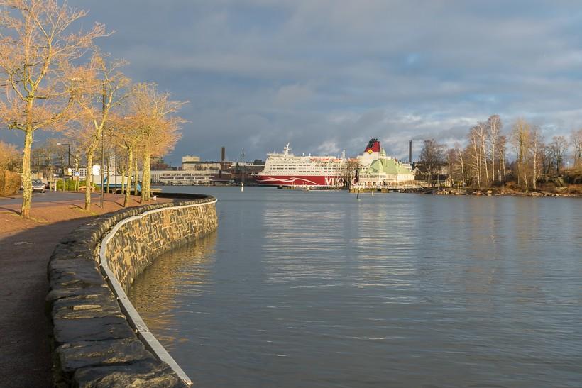 Набережная Хельсинки осенью