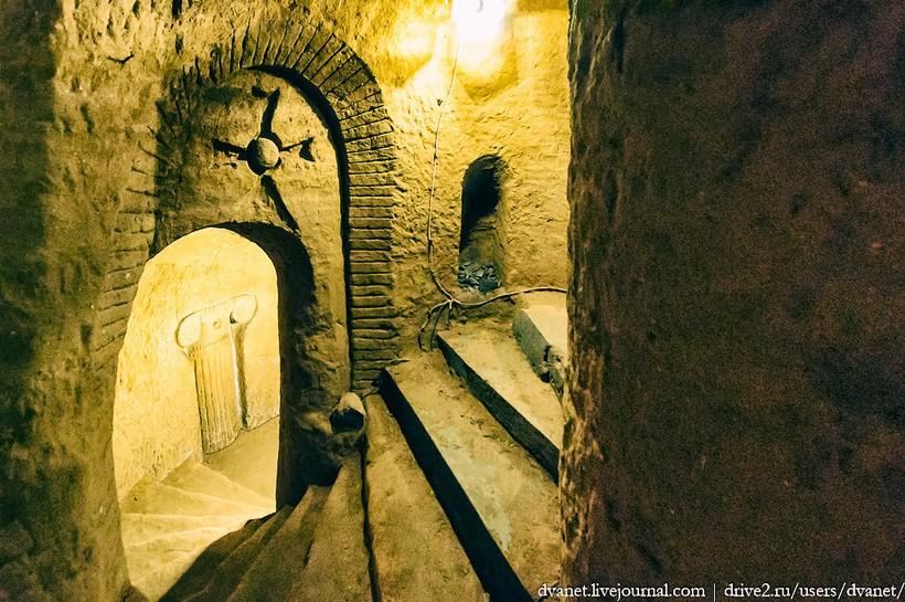 Из жизни необычных людей: подземный храм Левона