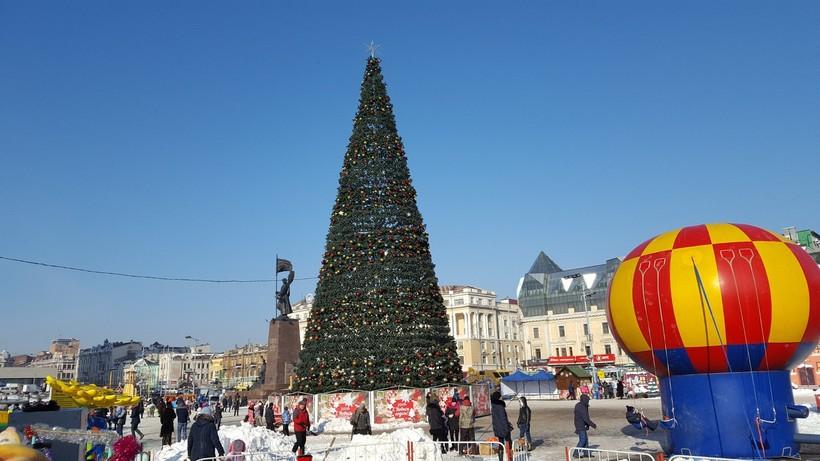 Центральная площадь Владивостока в декабре