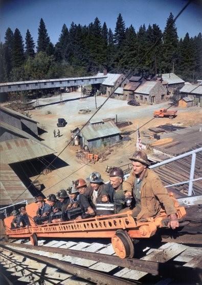 А так выглядели шахты по добыче золота уже в 20 веке.