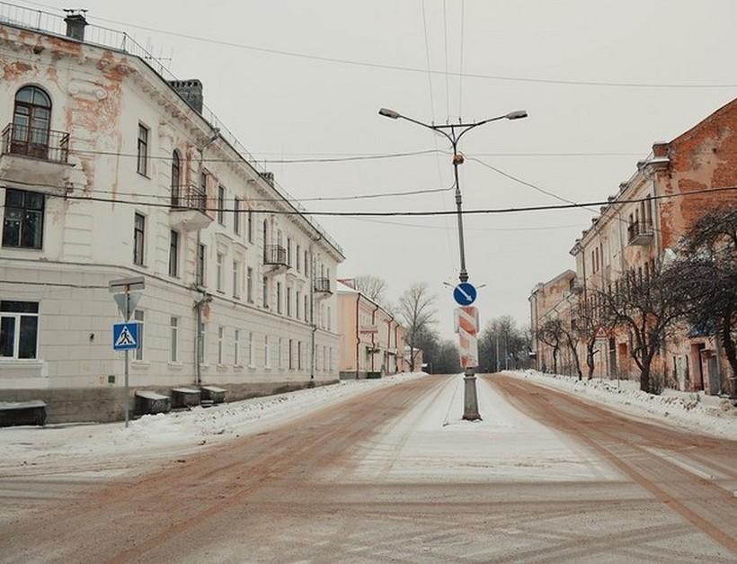 Ул. Псковская Великого Новгорода в начале марта.