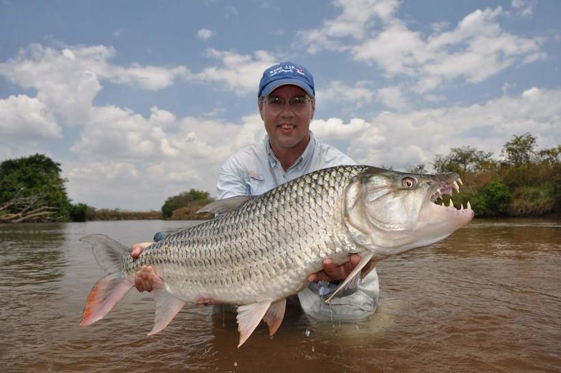 В Конго обитают просто огромные рыбы, и рыбаки со всего мира стремятся сюда за трофеями