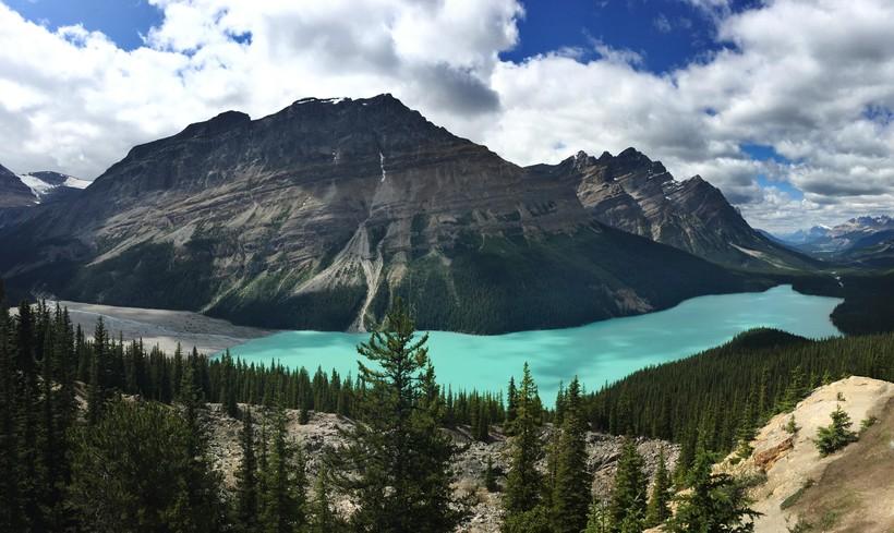 Канадское озеро Пейто: почему оно имеет такой восхитительный цвет воды