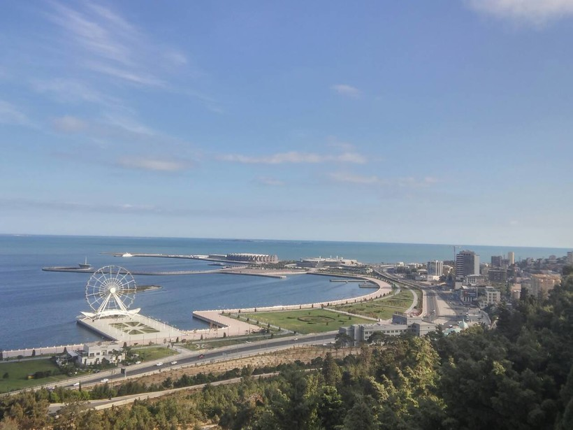 Баку в мае