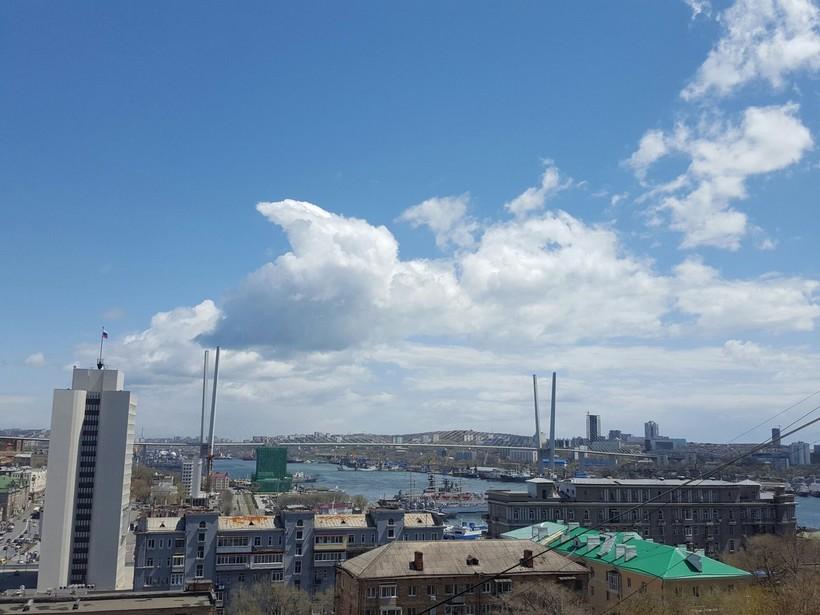Солнечная погода во Владивостоке осенью