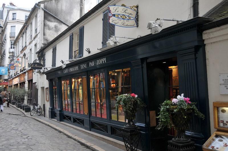 13 старинных ресторанов, завсегдатаями в которых были исторические личности