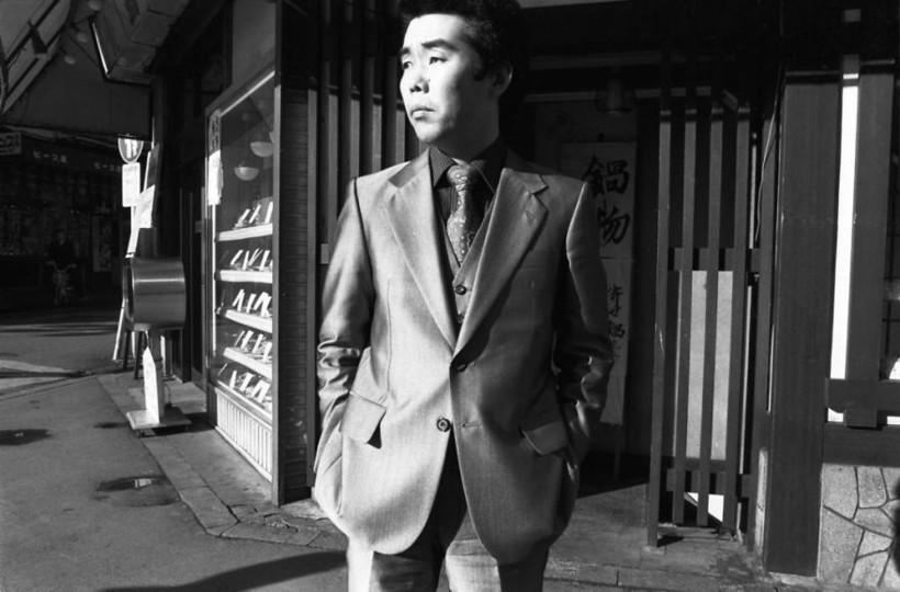 Человек в костюме, 1979