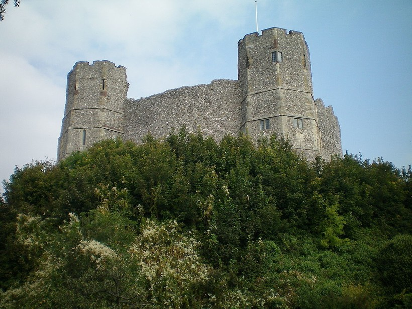 Замок Льюис, возведенный Вильгельмом де Варенном