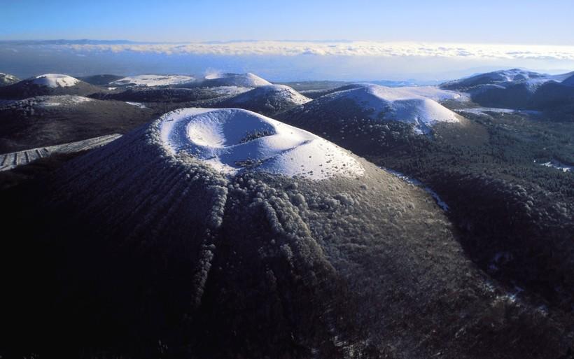 Потухший Вулкан Плон-дю-Канталь