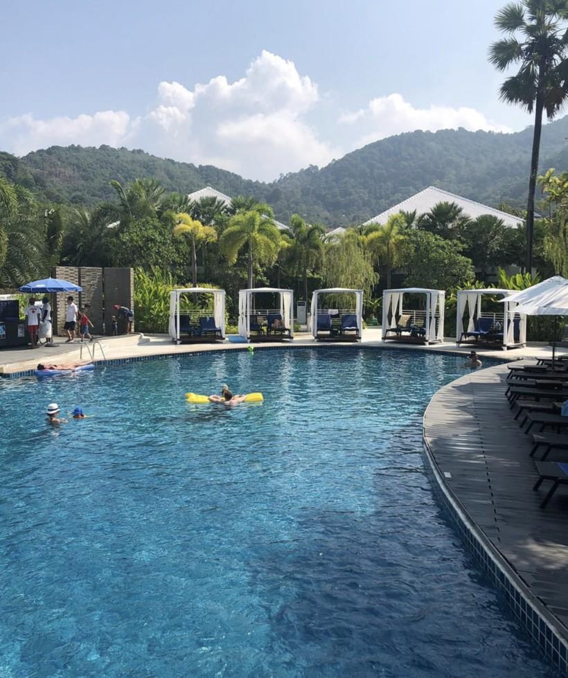 Бассейн Karon Beach Resort