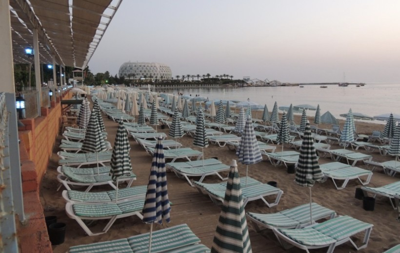 Пляж Lonicera World