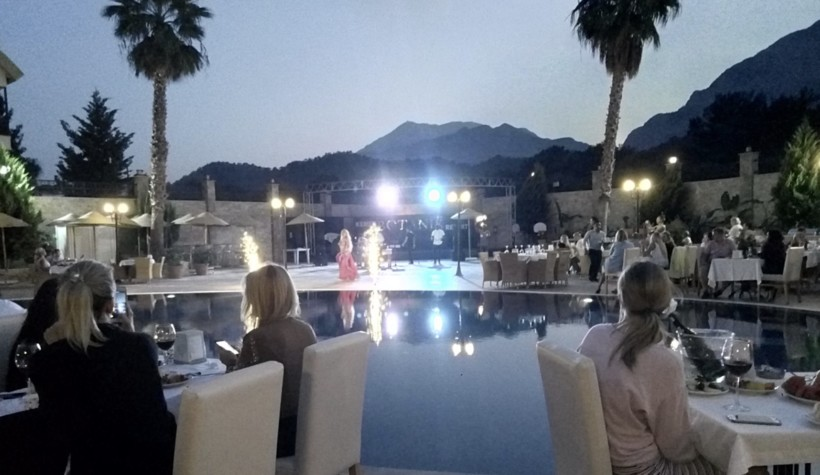 Шоу в Kemer Botanik Resort