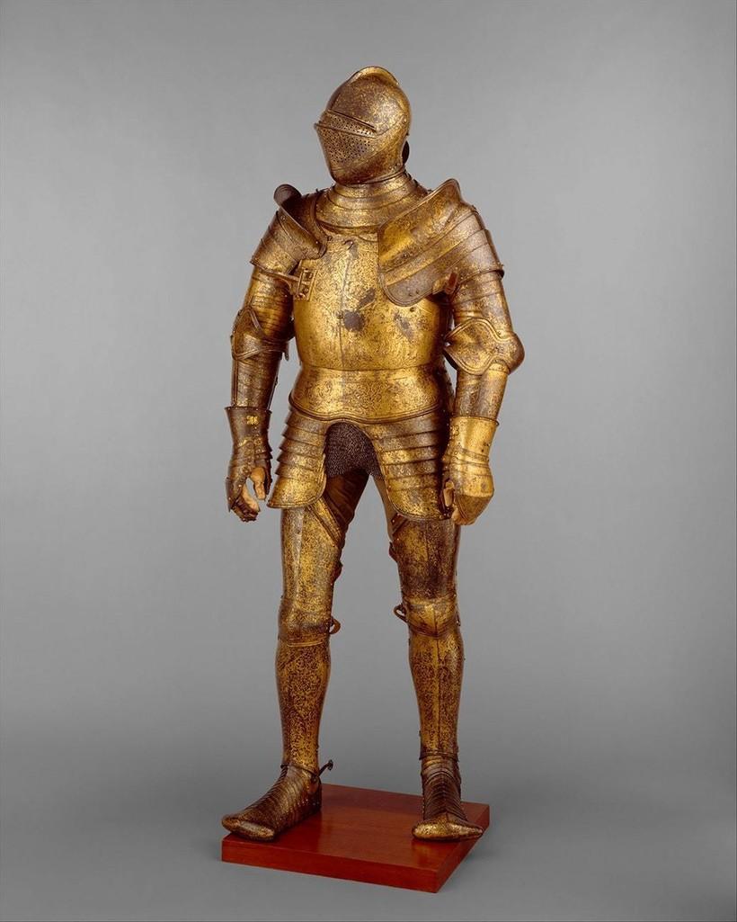 Доспехи Генриха VIII, созданные в Гринвиче в 1527 году. Автор орнамента — Ганс Гольбейн Младший