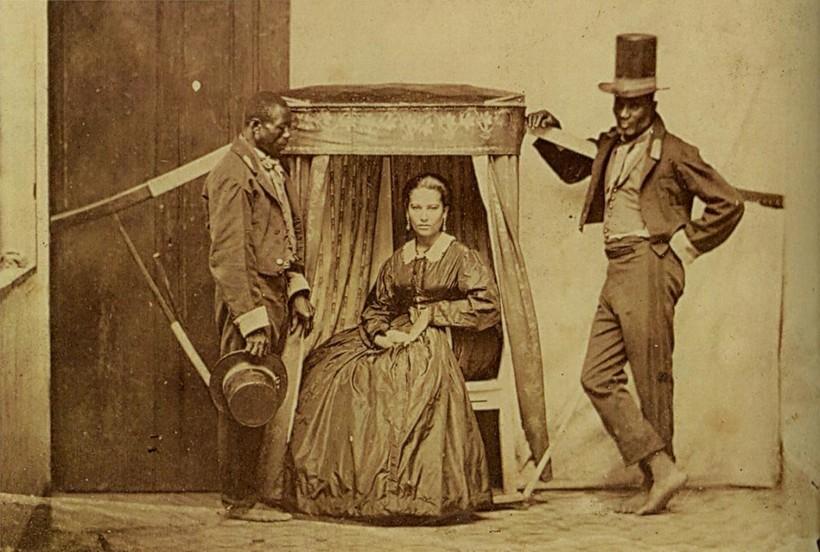 Сеньора со своими рабами. Бразилия 19 век