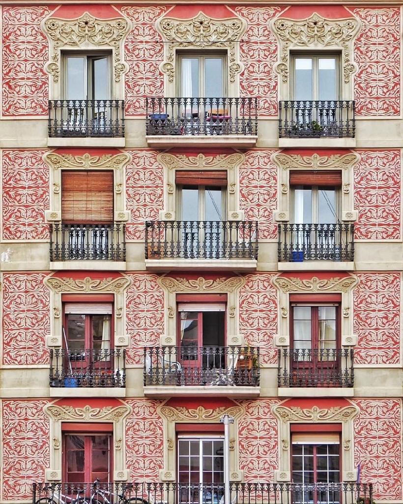15 фото Барселоны: симметрия города, которую обычно не замечают