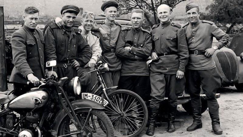 Велосипеды, часы, иглы для шитья: что за трофеи привозили советские солдаты