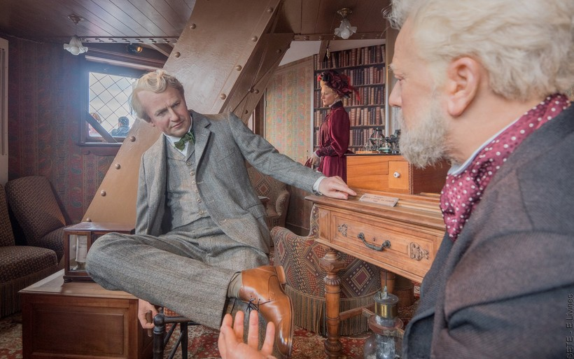 В квартире теперь музей. Восковые фигуры воссоздают встречу Эйфеля и Эдисона, случившуюся в в 1899 году.