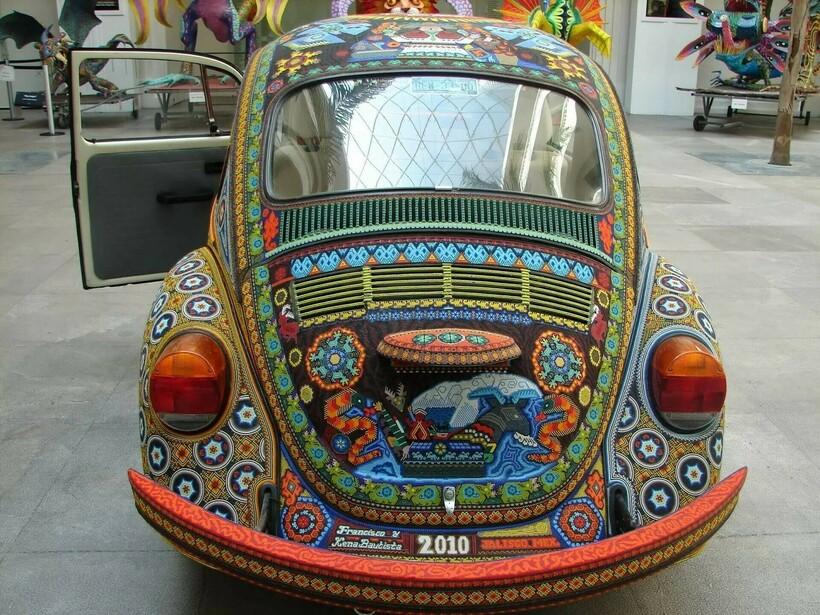 Как выглядят два миллиона стеклянных бусин на колесах