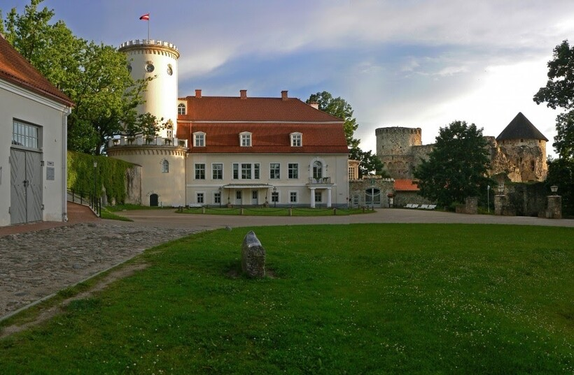 Музей в Цесисе, где хранится первый флаг Латвии