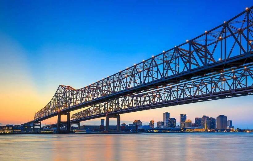 Мост в Новом Орлеане