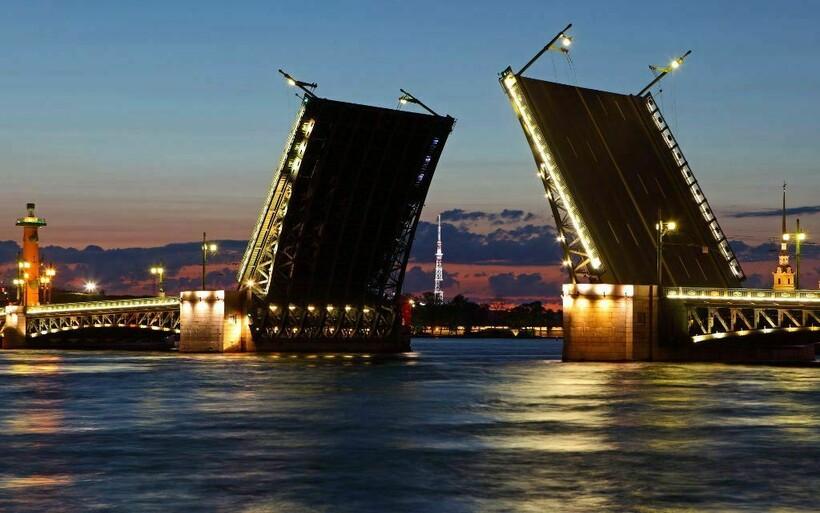 Мосты через Неву