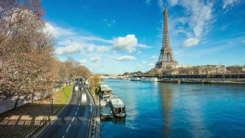 Река в самом большом городе Франции