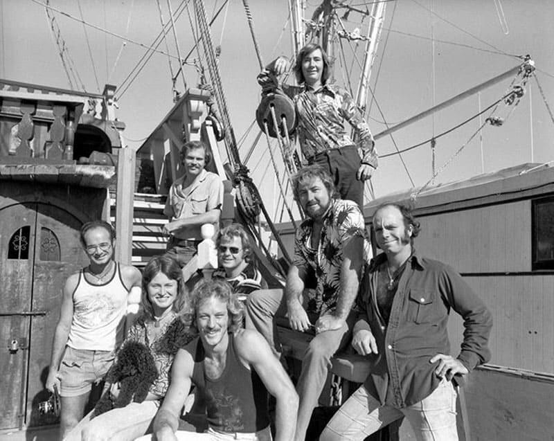 Мел Фишер вместе со своей командой кладоискателей