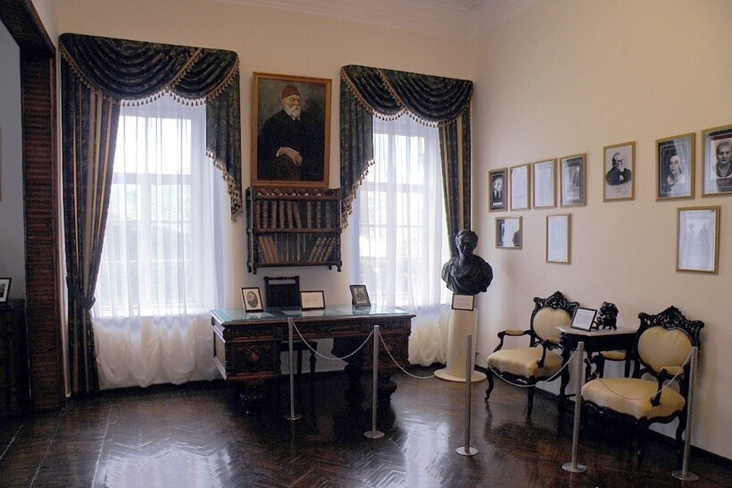 В доме-музее князя Голицына
