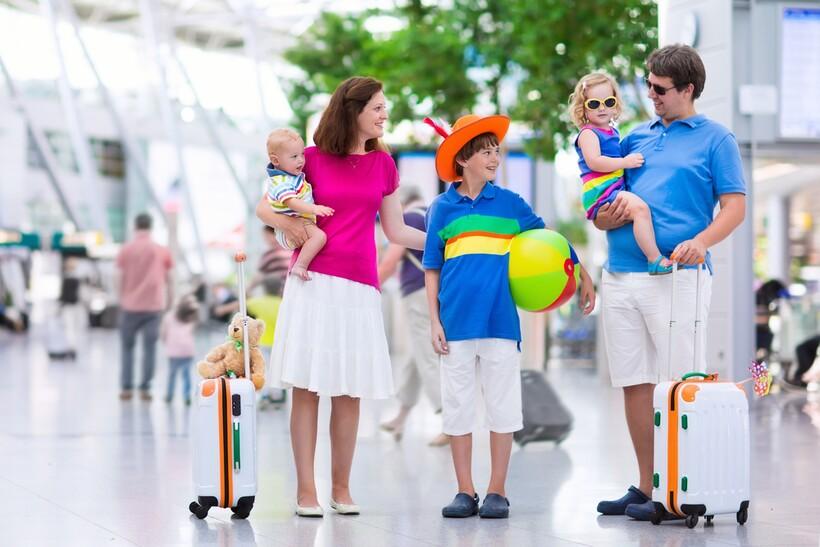 При путешествии с детьми обязательно рассчитывайте деньги на непредвиденные нужды